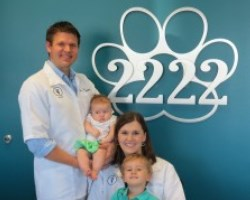My Vet's the Best finalists Drs. Frank & Mindi Metzler of 2222 Veterinary Clinic in Austin, Texas.