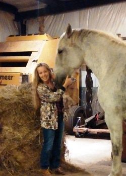 Pamela Mahlie, a 2016 Why I Love Being a Vet Tech contest finalist.